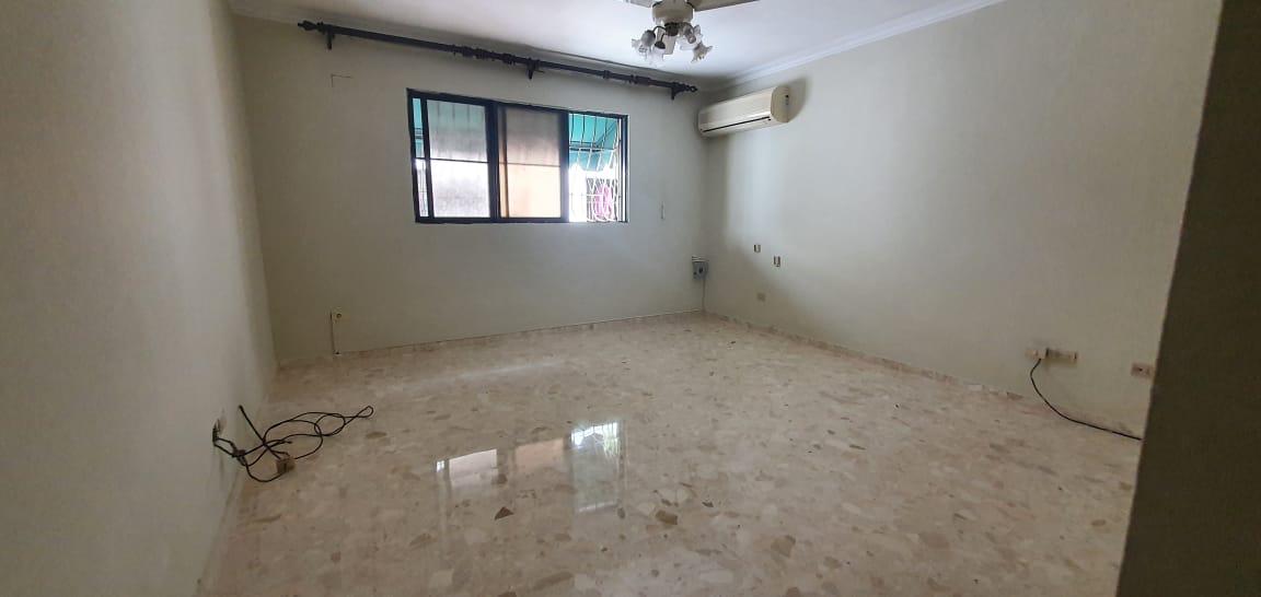 Apartamento en alquiler en Evaristo Morales.